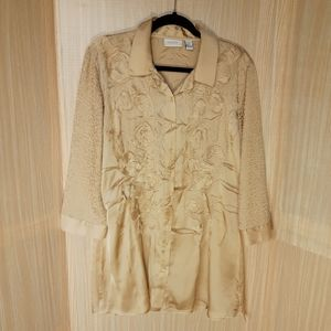 Chico's silky feel textured gold tunic blouse. 12